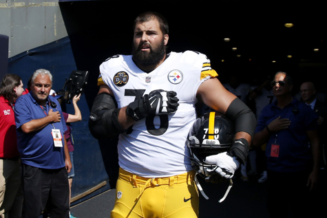 Caption: Steelers offensive tackle and Army Veteran Andrew Villanueva stands alone during the national anthem. Photographer: Getty Images New York Post http://nypost.com/2017/09/25/steelers-alejandro-villanueva-embarrassed-by-lone-wolf-act/.